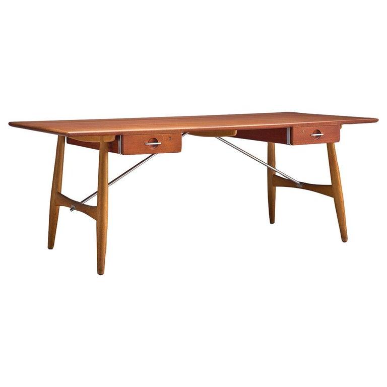 Hans J. Wegner Rare 'JH571' Desk in Oak For Sale
