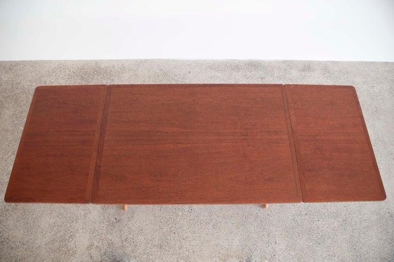 Hans J. Wegner Sabre Leg Table Model AT-304 for Andreas Tuck In Good Condition For Sale In Copenhagen, DK