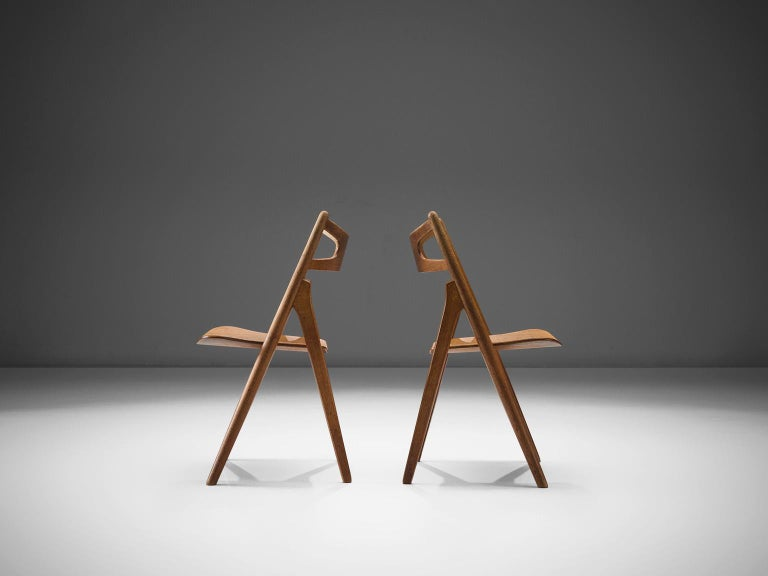 Hans J. Wegner Set of Eight Matching 'Sawbuck' Chairs In Good Condition For Sale In Waalwijk, NL