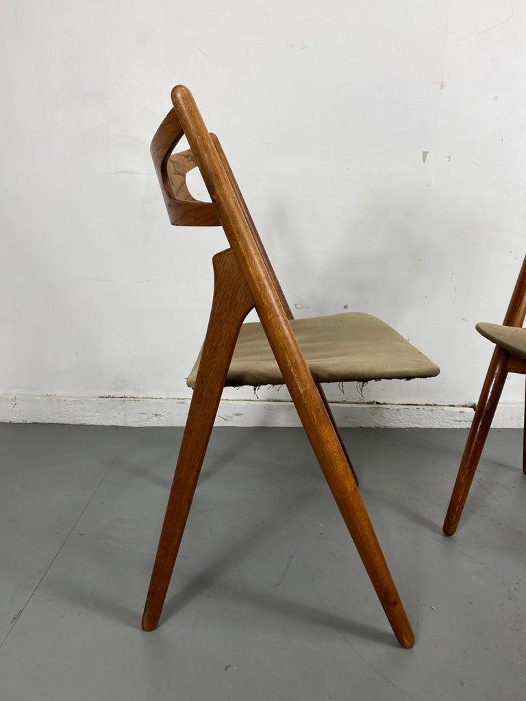 Scandinavian Modern Hans J. Wegner Set of Four Sawbuck Chairs, Early Set in Oak, circa 1952, Denmark For Sale