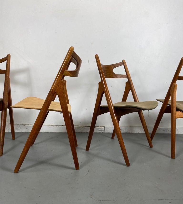 Danish Hans J. Wegner Set of Four Sawbuck Chairs, Early Set in Oak, circa 1952, Denmark For Sale
