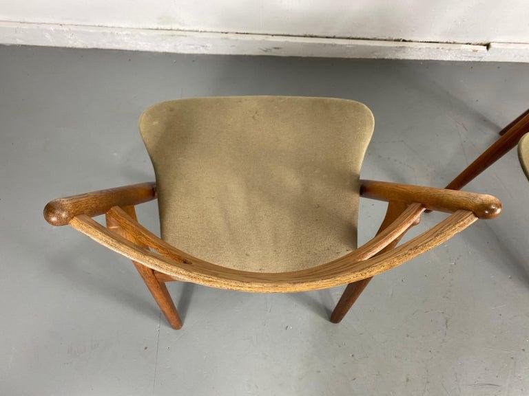Hans J. Wegner Set of Four Sawbuck Chairs, Early Set in Oak, circa 1952, Denmark For Sale 2