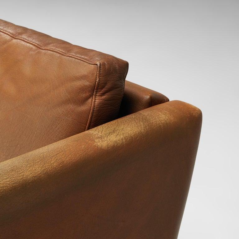 Hans J. Wegner Sofa Model 'CH103' in Brown Leather For Sale 2