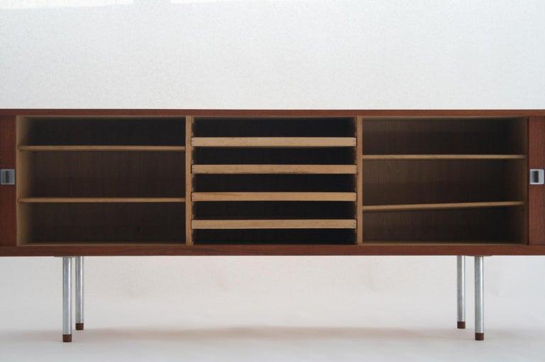 Mid-20th Century Hans J. Wegner Teak Credenza, Model 25 Johannes Hansen, Denmark, circa 1965 For Sale