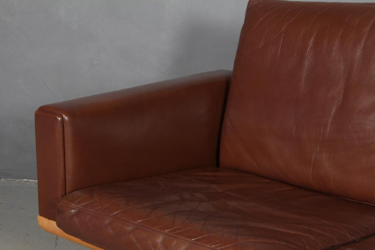Hans J. Wegner Three-Seat Sofa In Good Condition For Sale In Esbjerg, DK