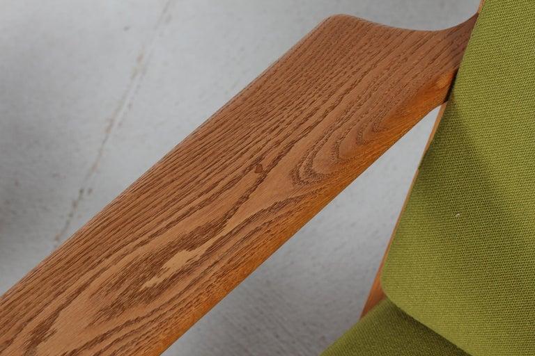Mid-Century Modern Hans J. Wegner Two Lounge Chairs GE 290 of Oak and Green Wool by GETAMA, 1970s For Sale
