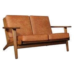 Hans J. Wegner, Two-Seat Sofa, Model 290, Oak