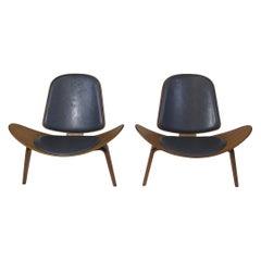 Hans J. Wegner Walnut CH 07 Shell Chairs in Black Leather