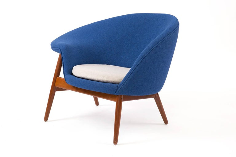 Danish Hans Olsen Bramin Fried Egg Chair For Sale