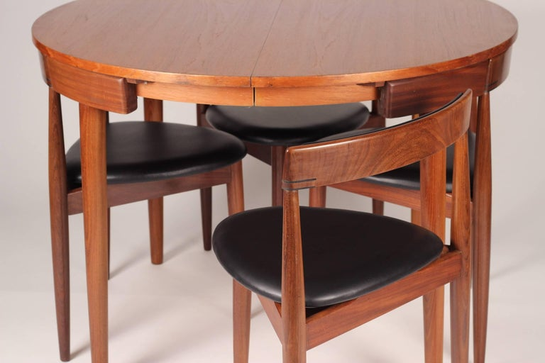 Mid Century Modern Dining Table and Six Chairs Model Roundette by Frem Røjle  For Sale 1