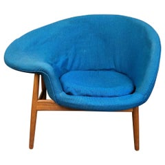 Hans Olsen Fried Egg Chair with Walnut Frame, circa 1956