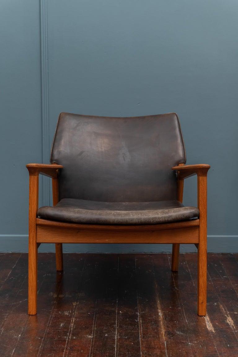 Scandinavian Modern Hans Olsen Leather Lounge Chair For Sale