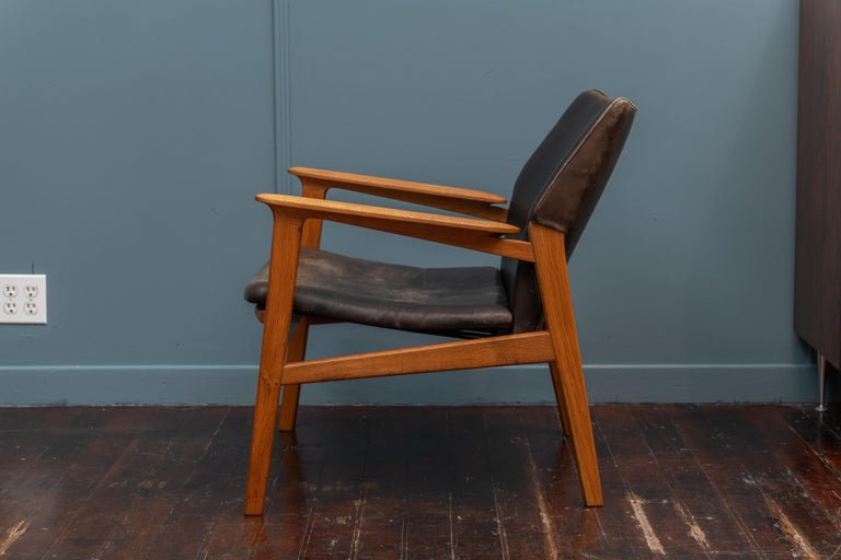 Hans Olsen Leather Lounge Chair In Good Condition For Sale In San Francisco, CA
