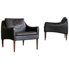 Hans Olsen Pair of Danish Lounge Chairs in Brown Leather and Rosewood Legs