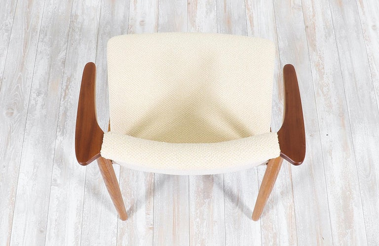 Hans Olsen Teak and Oak Armchair In Excellent Condition For Sale In Los Angeles, CA