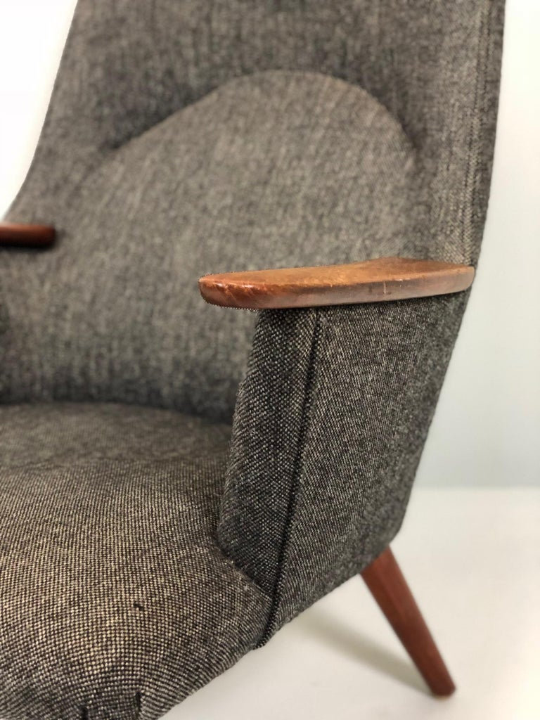 Hans Wegner AP-27 lounge chair designed in 1954 and produced by A. P. Stolen.