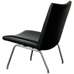 "Hans Wegner AP-39 ""Airport"" Lounge Chair in Black Leather, circa 1970s"