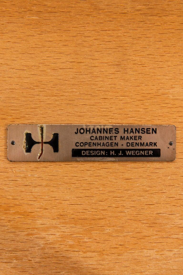 Hans Wegner Armchairs Model JH-701 Produced by Johannes Hansen in Denmark For Sale 2