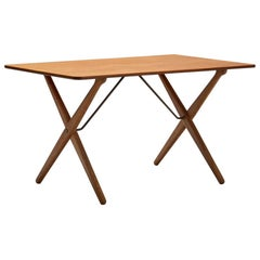 Hans Wegner 'AT 308' Oak Coffee Table with Cross-Leg Frame, Denmark, 1950s