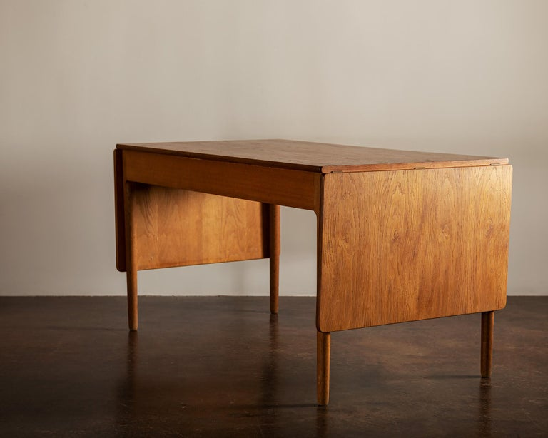 Hans Wegner AT305 Desk for Andreas Tuck, Denmark, 1950s In Good Condition For Sale In Santa Fe, NM