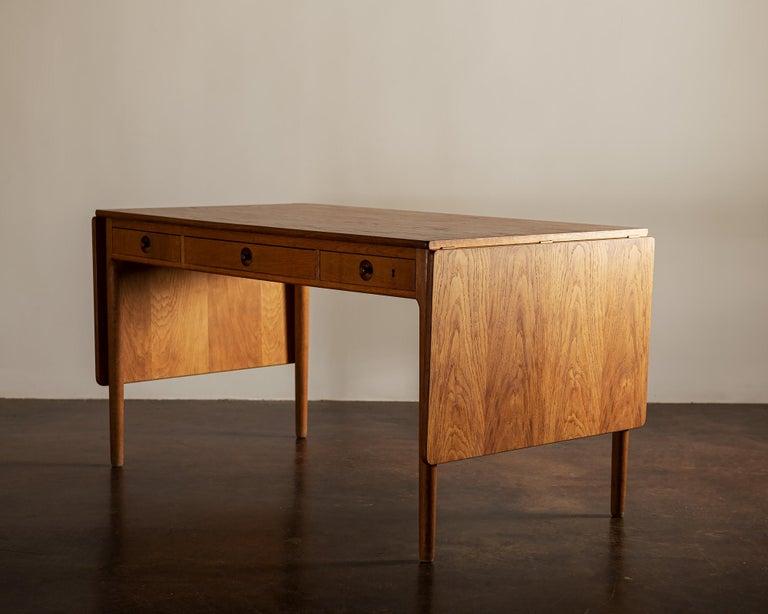 Hans Wegner AT305 Desk for Andreas Tuck, Denmark, 1950s For Sale 2