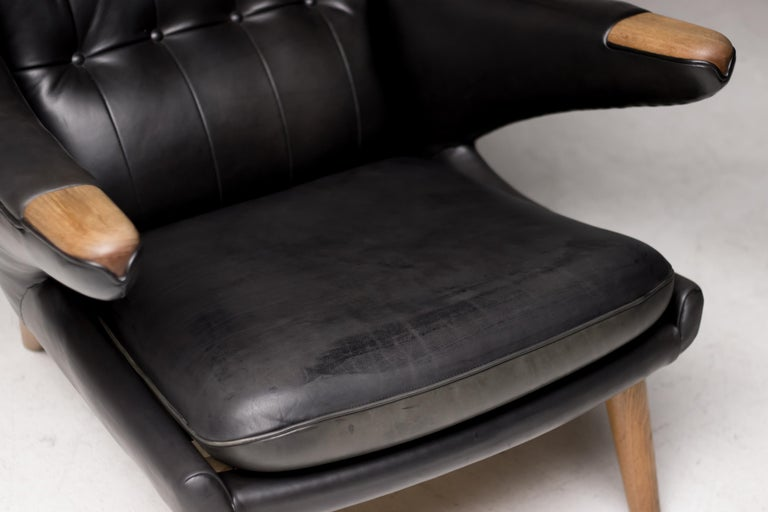 Hans Wegner Black Leather Pair of Papa Bear Chairs with Ottoman for A.P. Stolen For Sale 4