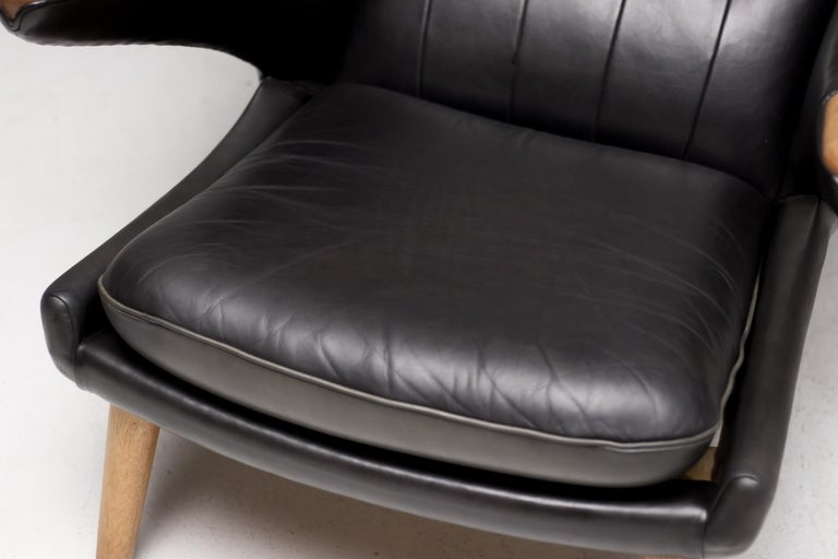 Hans Wegner Black Leather Pair of Papa Bear Chairs with Ottoman for A.P. Stolen For Sale 8
