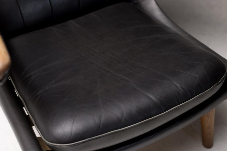 Hans Wegner Black Leather Pair of Papa Bear Chairs with Ottoman for A.P. Stolen For Sale 11