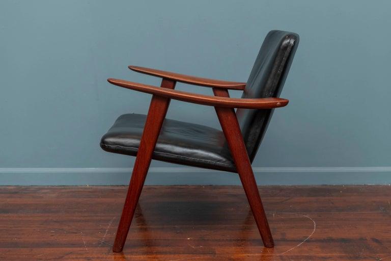 Hans Wegner Buck Lounge Chair for Johannes Hansen In Good Condition For Sale In San Francisco, CA