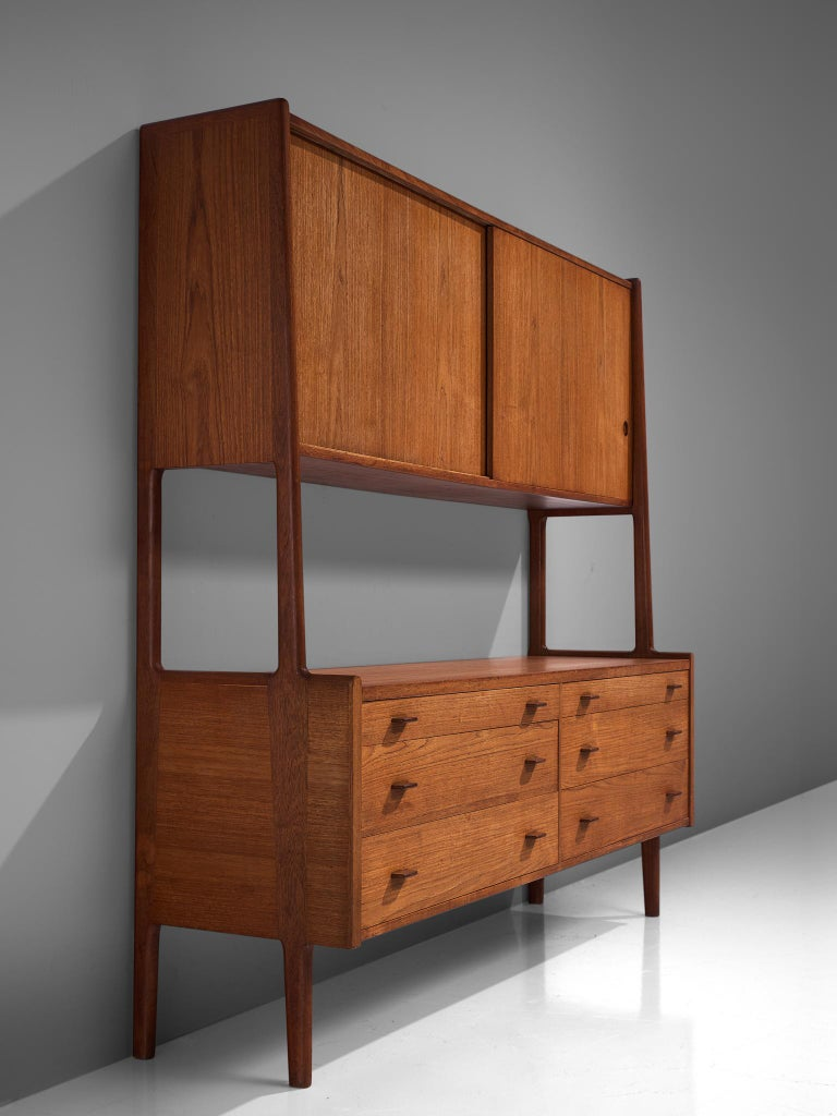 Hans Wegner Cabinet in Teak, circa 1955 In Good Condition For Sale In Waalwijk, NL