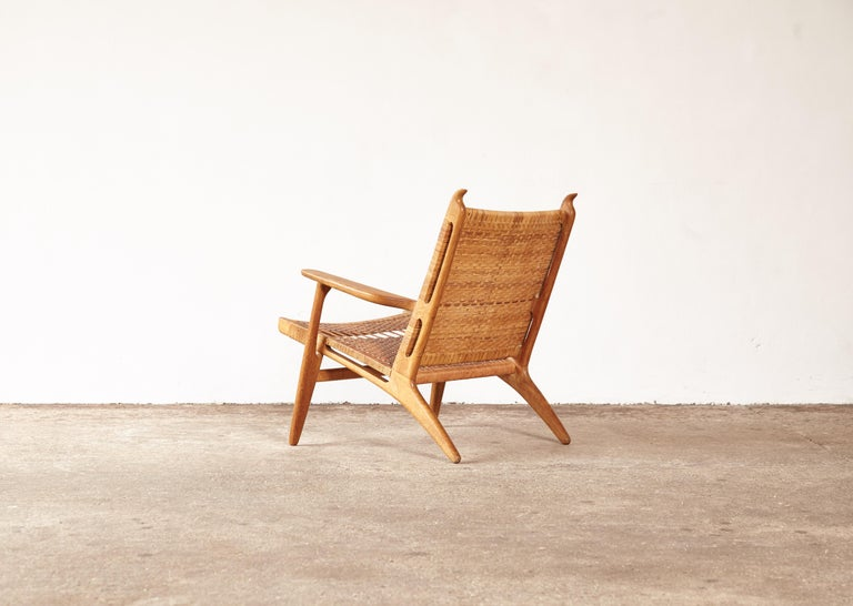 Hans Wegner CH-27 Chair, Carl Hansen & Son, Denmark, 1950s In Good Condition For Sale In London, GB
