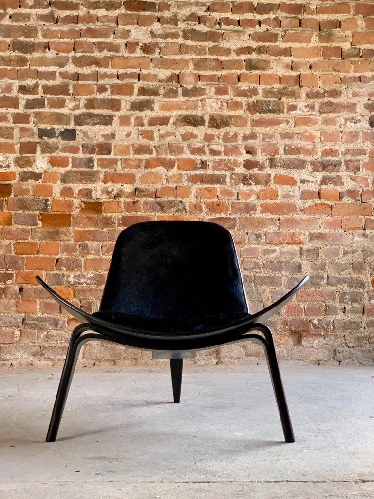 Hans Wegner CH07 Black Shell Chair Carl Hansen & Son, Denmark, Midcentury Danish For Sale 8