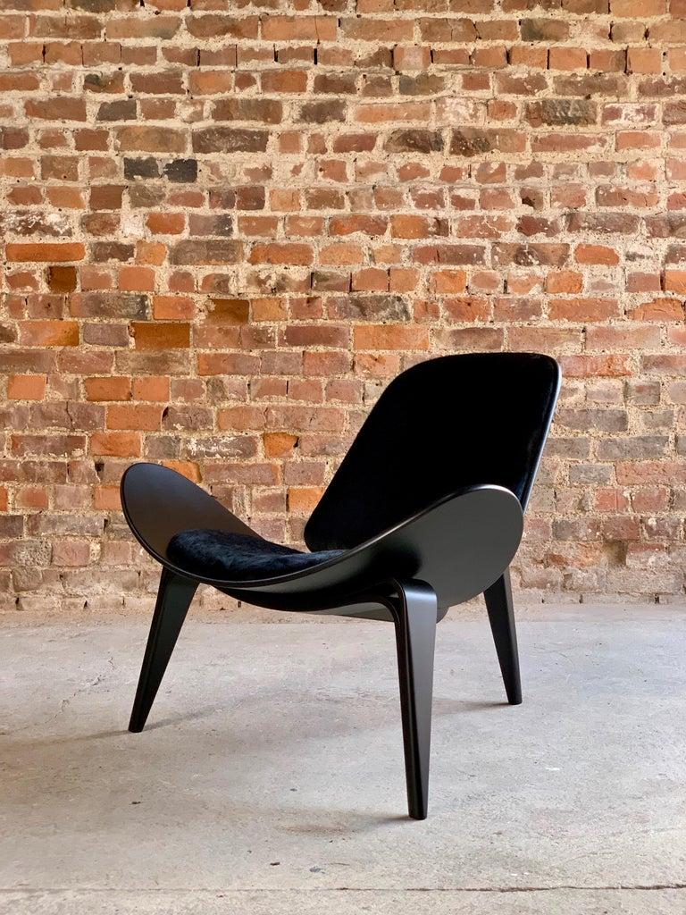 Hans Wegner CH07 Black Shell Chair Carl Hansen & Son, Denmark, Midcentury Danish For Sale 9