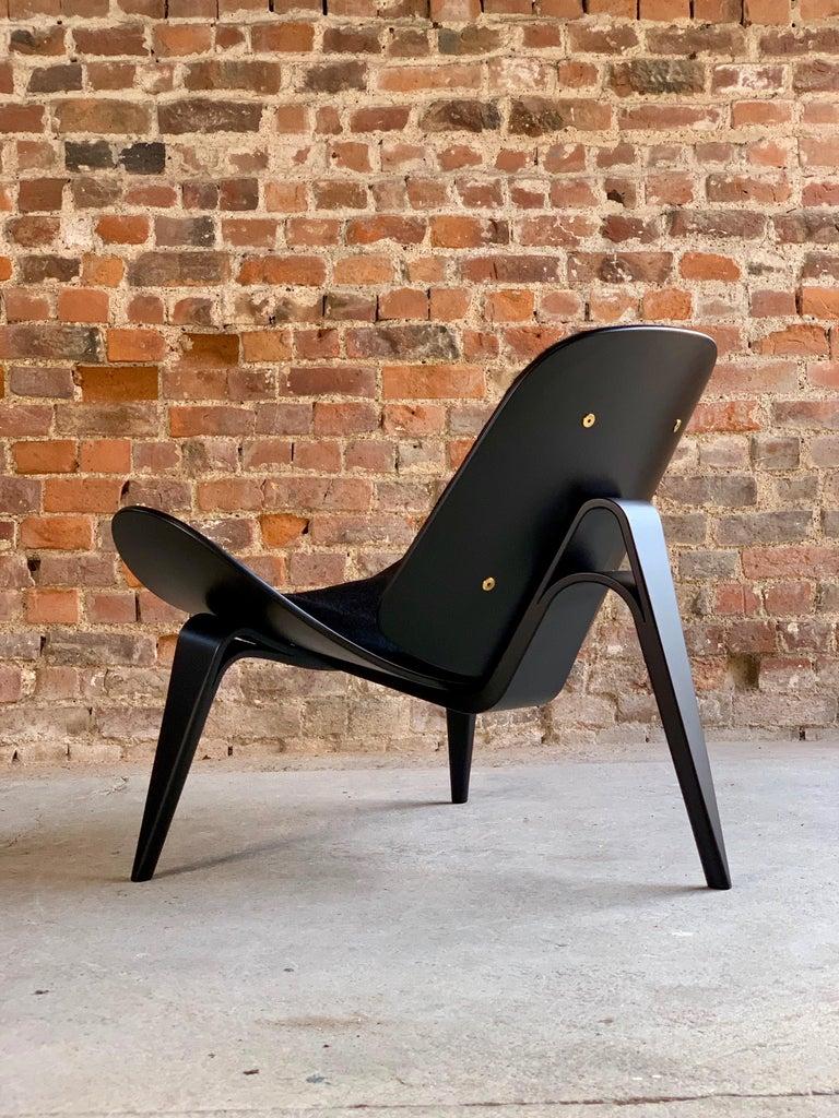 Hans Wegner CH07 Black Shell Chair Carl Hansen & Son, Denmark, Midcentury Danish For Sale 11