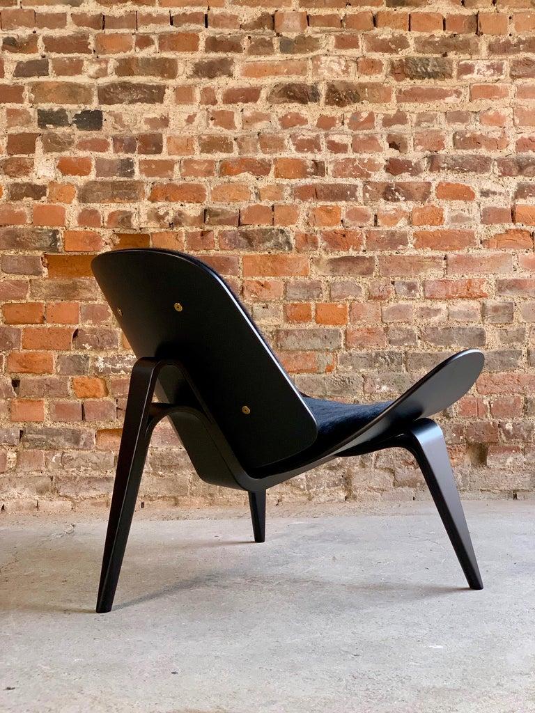 Hans Wegner CH07 Black Shell Chair Carl Hansen & Son, Denmark, Midcentury Danish For Sale 12