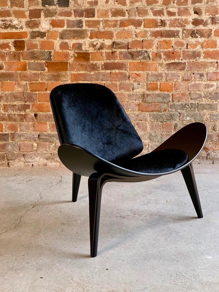 Hans Wegner CH07 Black Shell Chair Carl Hansen & Son, Denmark, Midcentury Danish For Sale 14