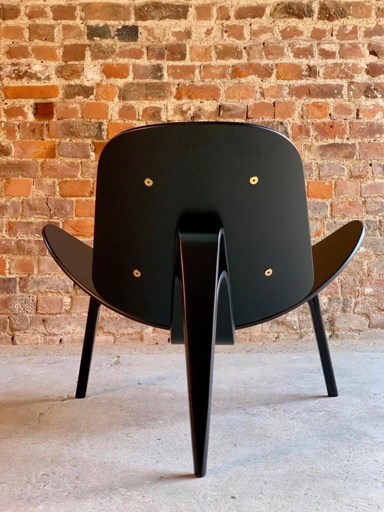 20th Century Hans Wegner CH07 Black Shell Chair Carl Hansen & Son, Denmark, Midcentury Danish For Sale