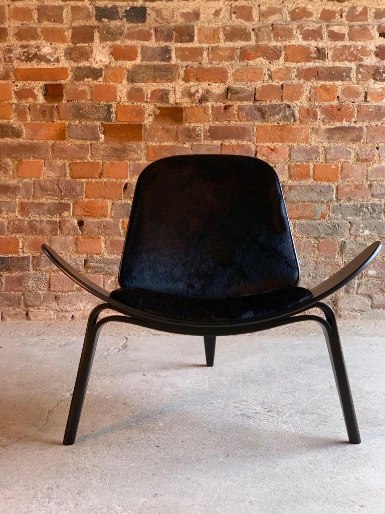 Hans Wegner CH07 Black Shell Chair Carl Hansen & Son, Denmark, Midcentury Danish For Sale 1
