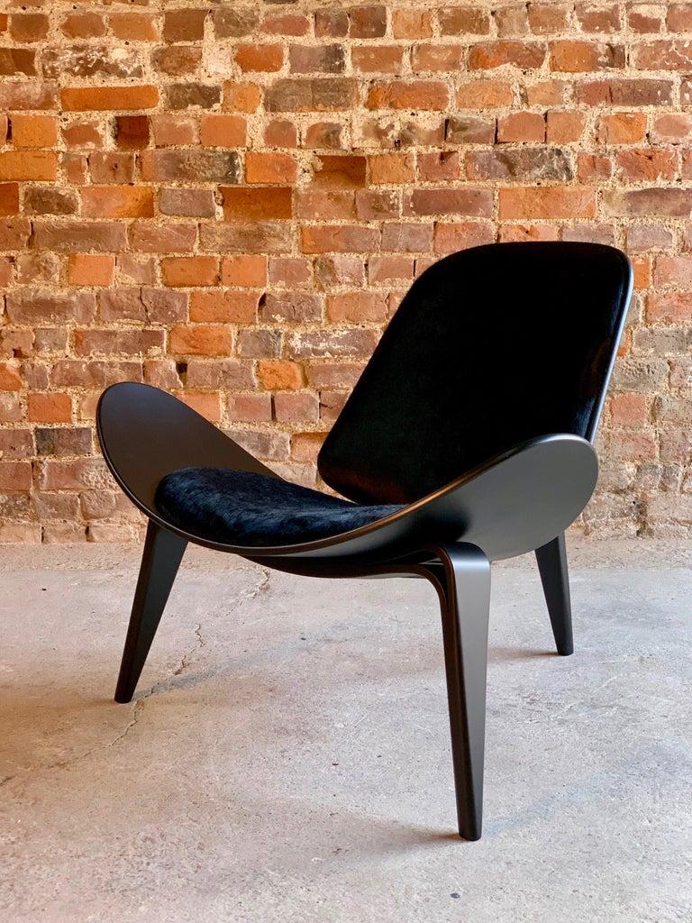 Hans Wegner CH07 Black Shell Chair Carl Hansen & Son, Denmark, Midcentury Danish For Sale 2