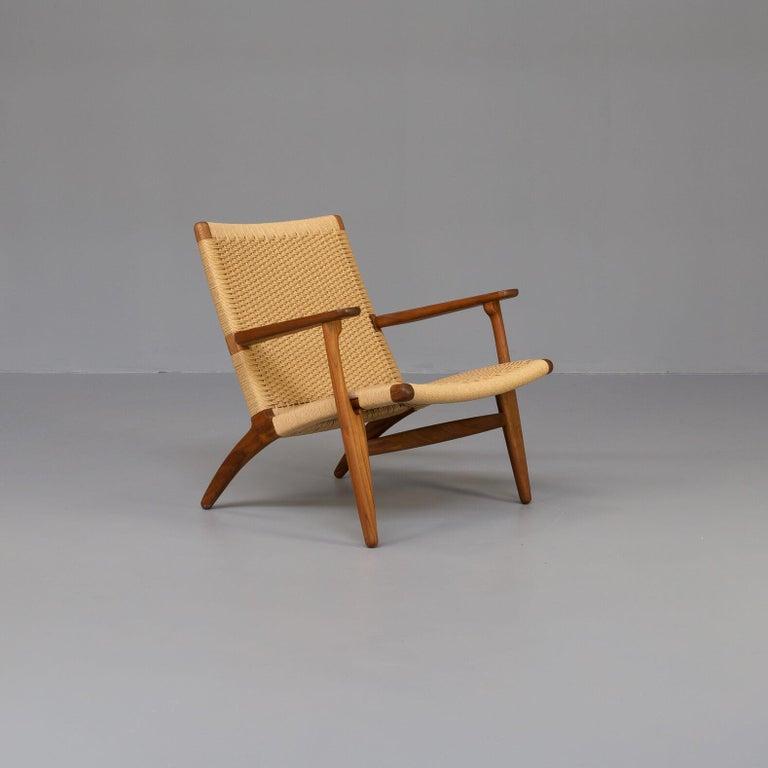 Mid-Century Modern Hans Wegner CH25 Lounge Fauteul for Carl Hansen For Sale