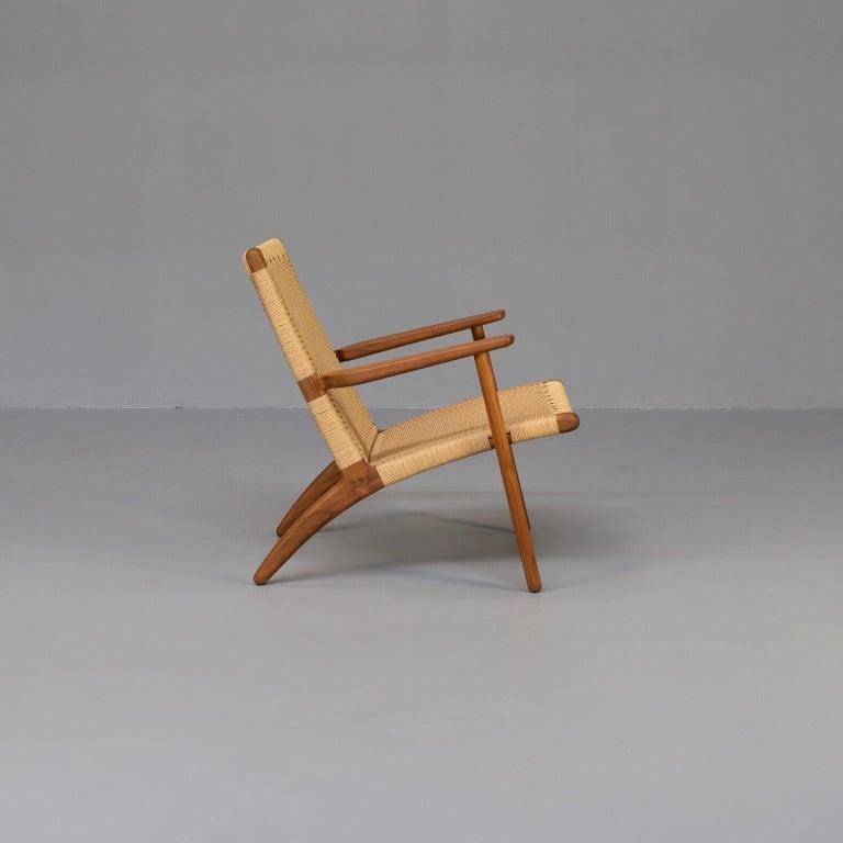 Danish Hans Wegner CH25 Lounge Fauteul for Carl Hansen For Sale