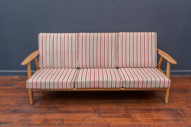 Hans Wegner Cigar Sofa for GETAMA In Good Condition For Sale In San Francisco, CA