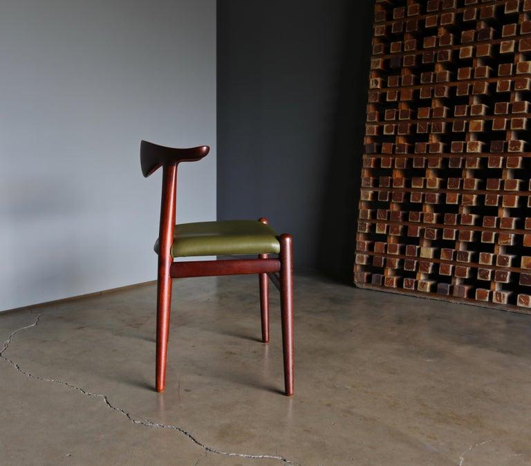 Hans Wegner Cow Horn Chair for Johannes Hansen, circa 1952 For Sale 3