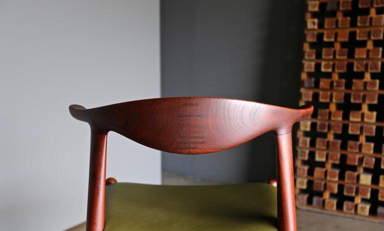 Danish Hans Wegner Cow Horn Chair for Johannes Hansen, circa 1952 For Sale
