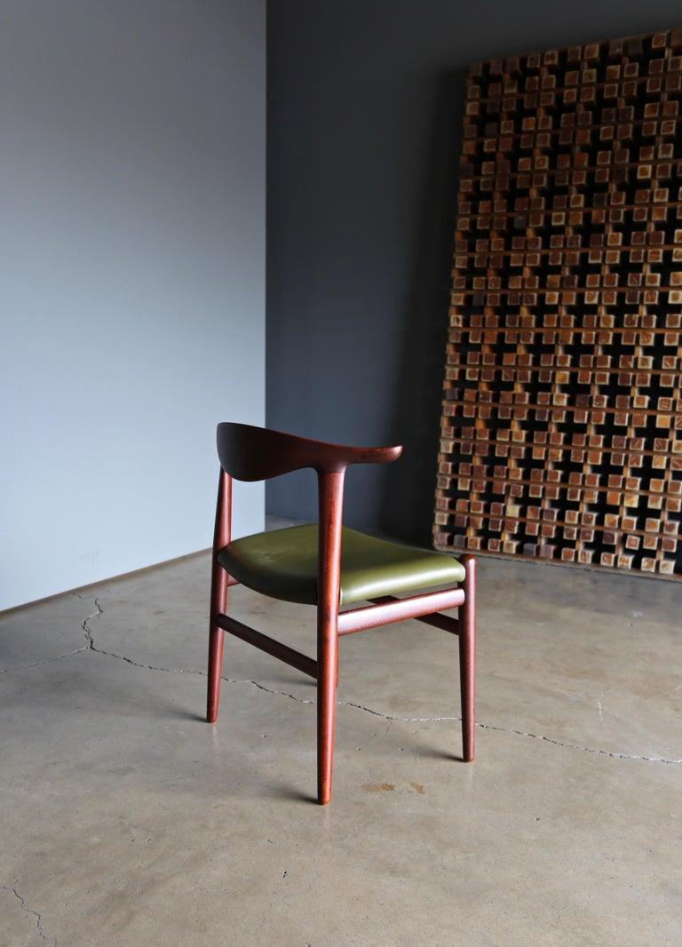 Leather Hans Wegner Cow Horn Chair for Johannes Hansen, circa 1952 For Sale