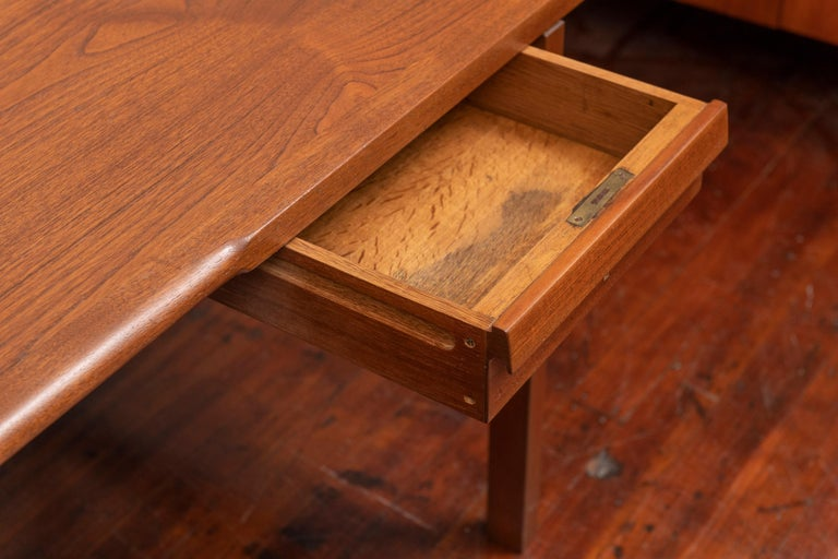 Hans Wegner Desk Model AT325 for Andreas Tuck In Good Condition For Sale In San Francisco, CA