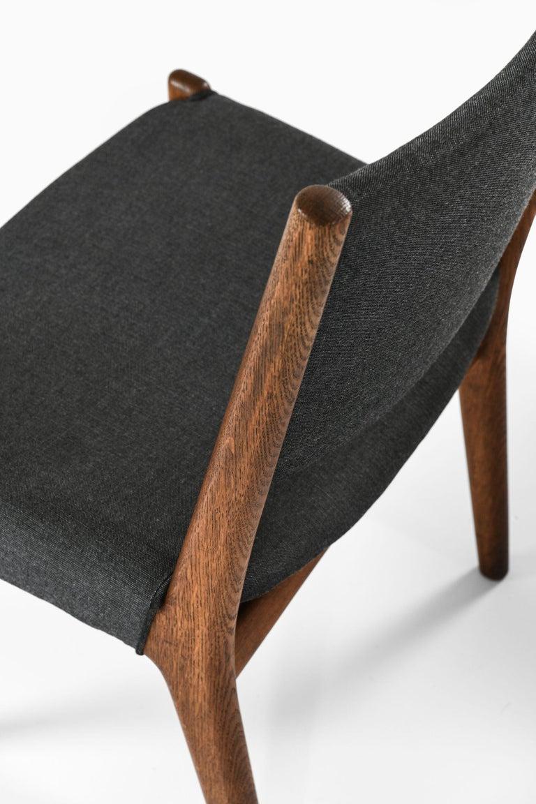 Hans Wegner Dining Chairs by Cabinetmaker Johannes Hansen in Denmark For Sale 3