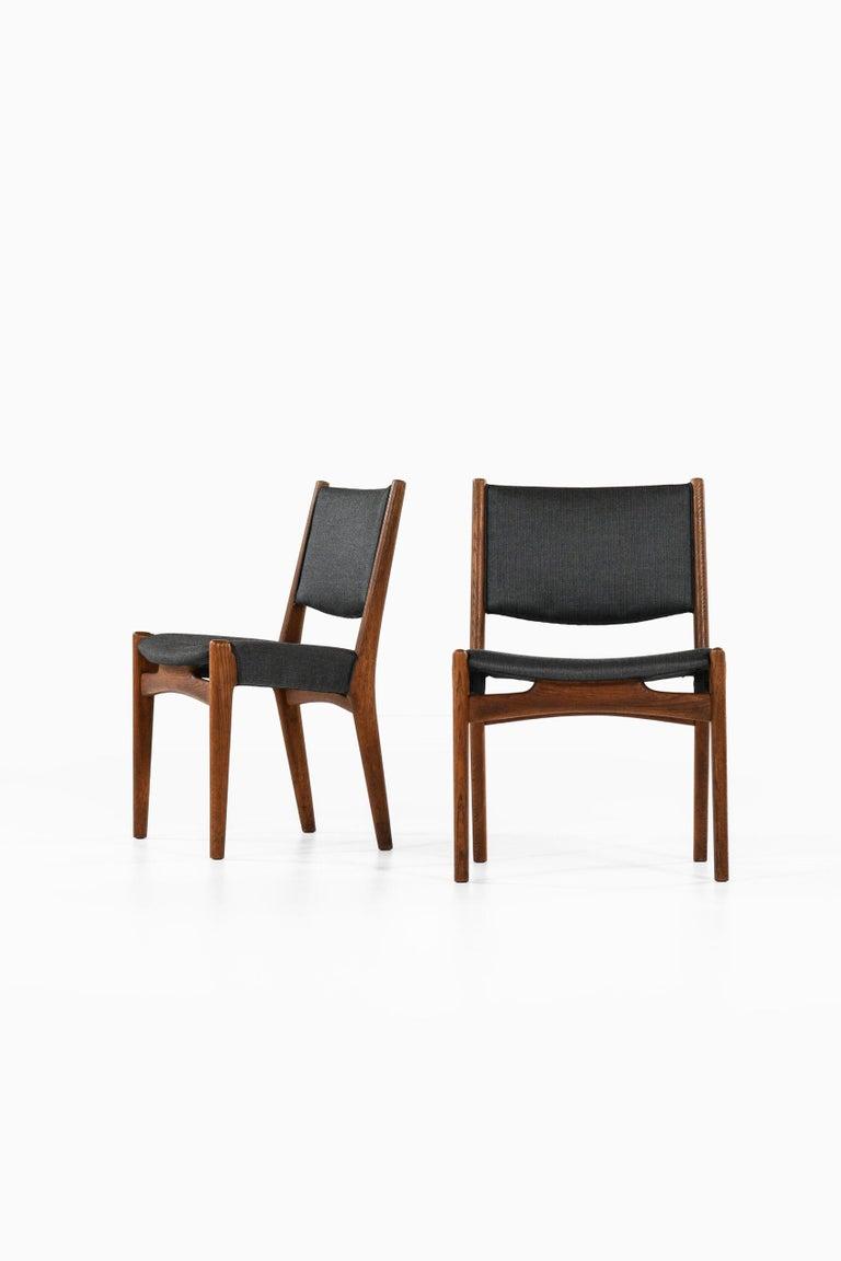 Hans Wegner Dining Chairs by Cabinetmaker Johannes Hansen in Denmark For Sale 4