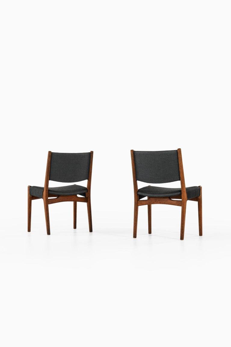 Hans Wegner Dining Chairs by Cabinetmaker Johannes Hansen in Denmark For Sale 5