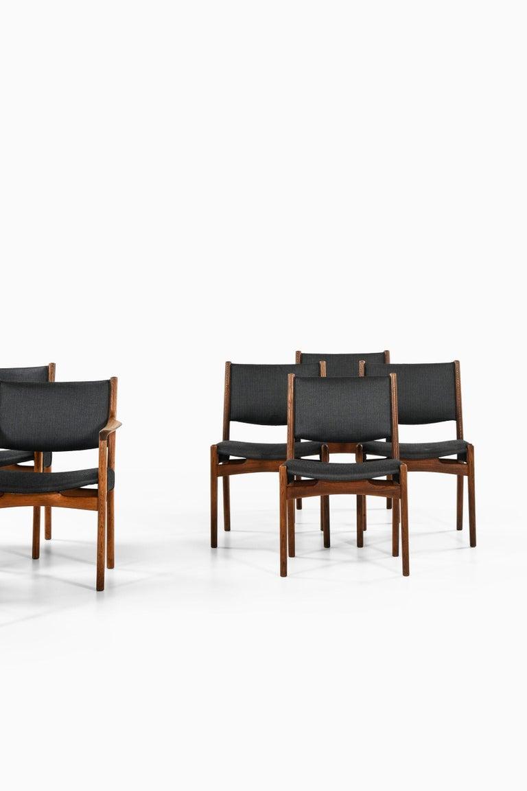 Scandinavian Modern Hans Wegner Dining Chairs by Cabinetmaker Johannes Hansen in Denmark For Sale